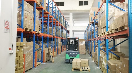 怎样能更好的利用大中型立体仓储货架?【易达货架】