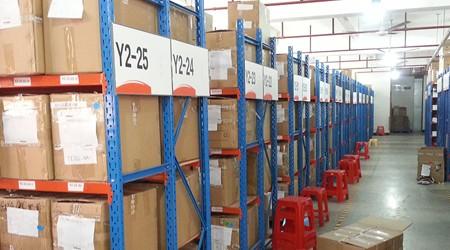 中山重型仓储货架供应商人工存取货的货架类型有哪些?【易达货架】