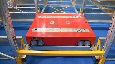 中山仓储货架生产厂家之穿梭式货架的特点