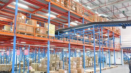 企业如何根据自己的仓库定制合适的广州仓储货架