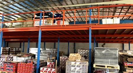 层高1.5米的广州番禺阁楼式货架如何设计?【易达货架】