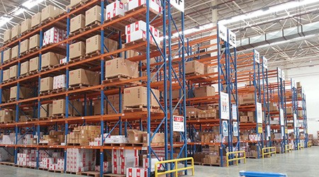 如何利用广州仓储货架实现仓储空间最大化