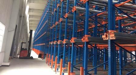 常平重型仓储货架的立柱被撞弯了如何处理?【易达货架】