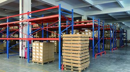 定制重型仓储货架之前必须要注意的细节有哪些